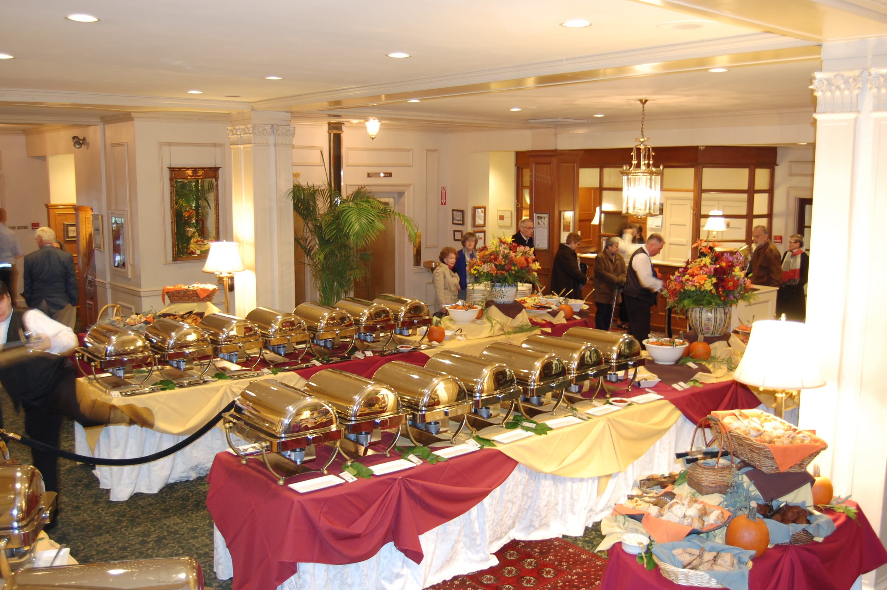 Thanksgiving Day Grand Buffet - Hawthorne Hotel