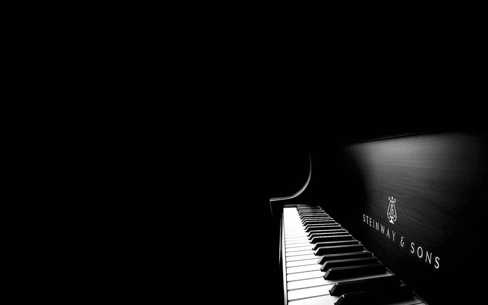 Steve Belgiorono Plays Piano Live at Nathaniel's Restaurant in Salem, MA